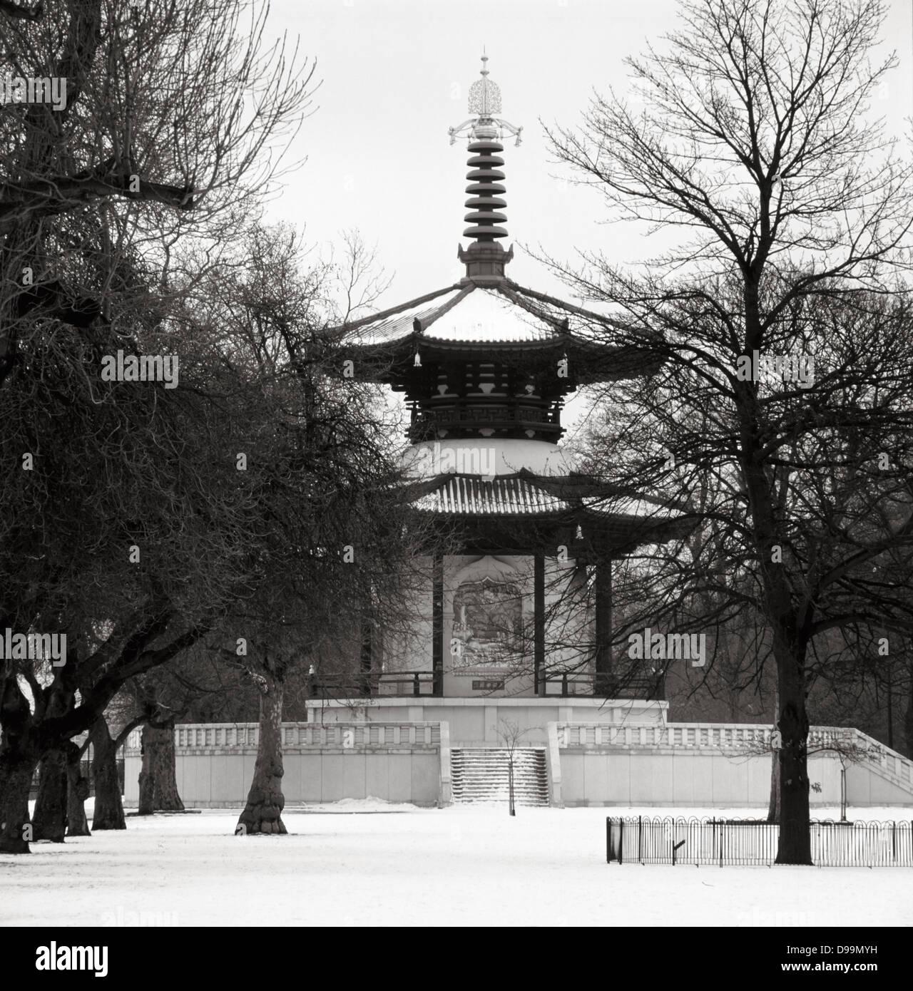 Battersea Park Pagoda della Pace nella zona ovest di Londra Immagini Stock