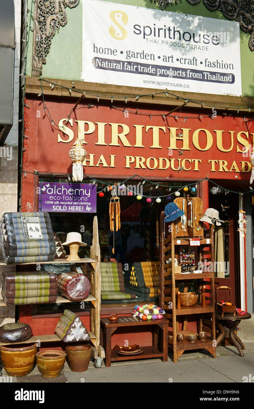 Spirito Casa Thai di prodotti di commercio equo e solidale e artigianato store su Main Street, Vancouver, BC, Canada Immagini Stock