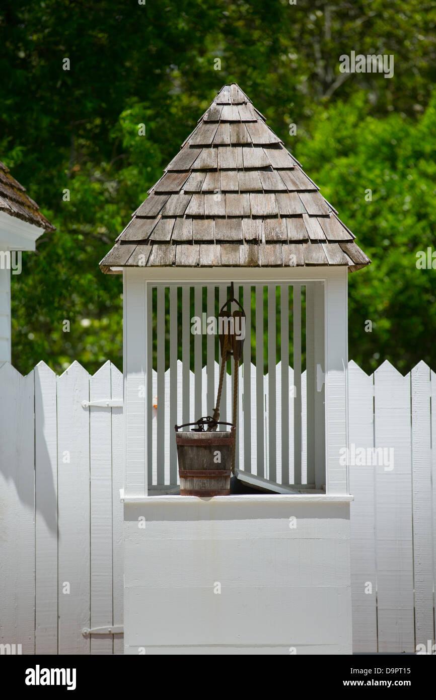 Acqua bene a casa storica, Williamsburg, Virginia, Stati Uniti d'America Foto Stock