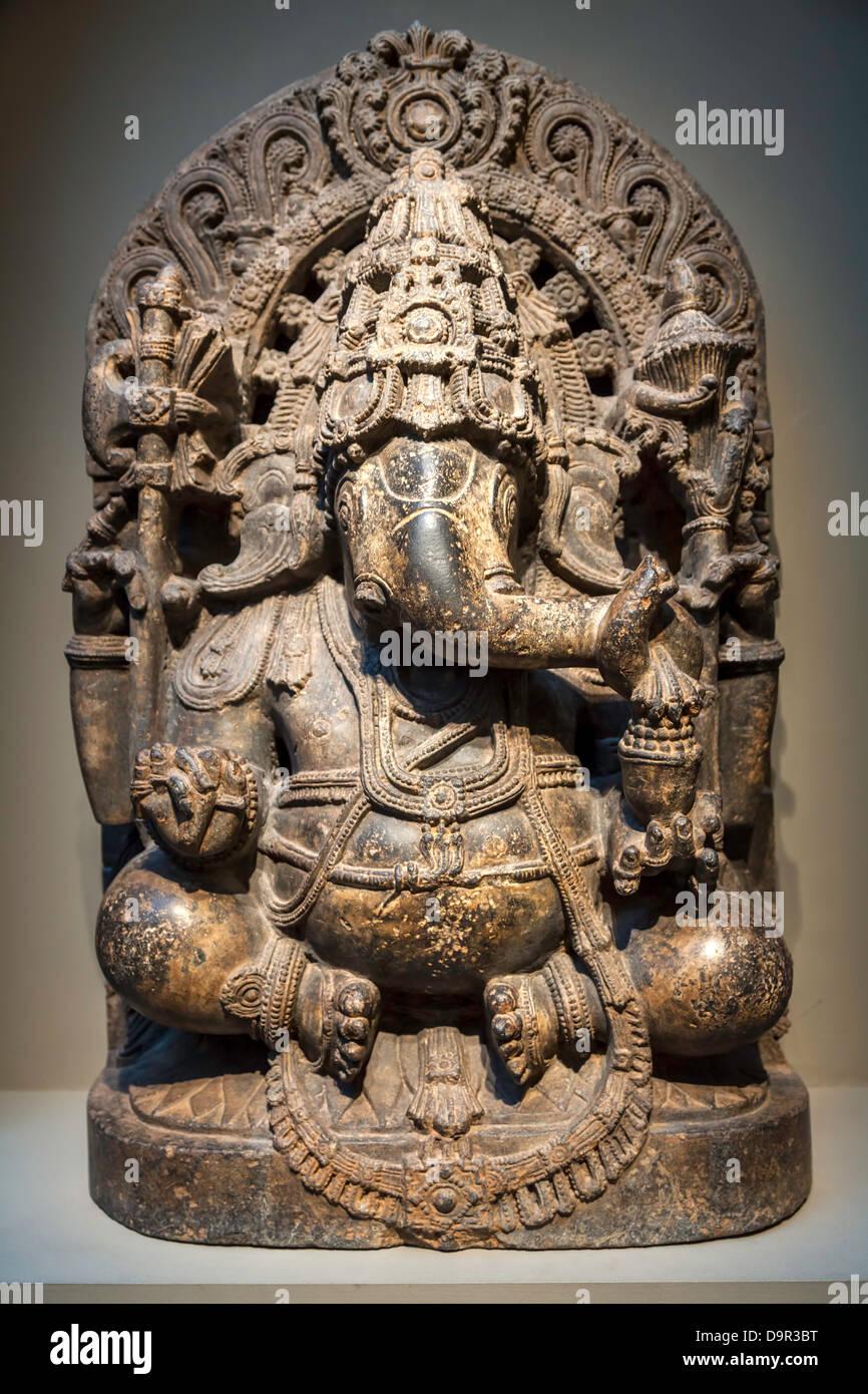 Ganesha il dio elefante in mostra in una galleria di Smithsonian sul Mall di Washington risale al XIII secolo in India del Sud. Foto Stock