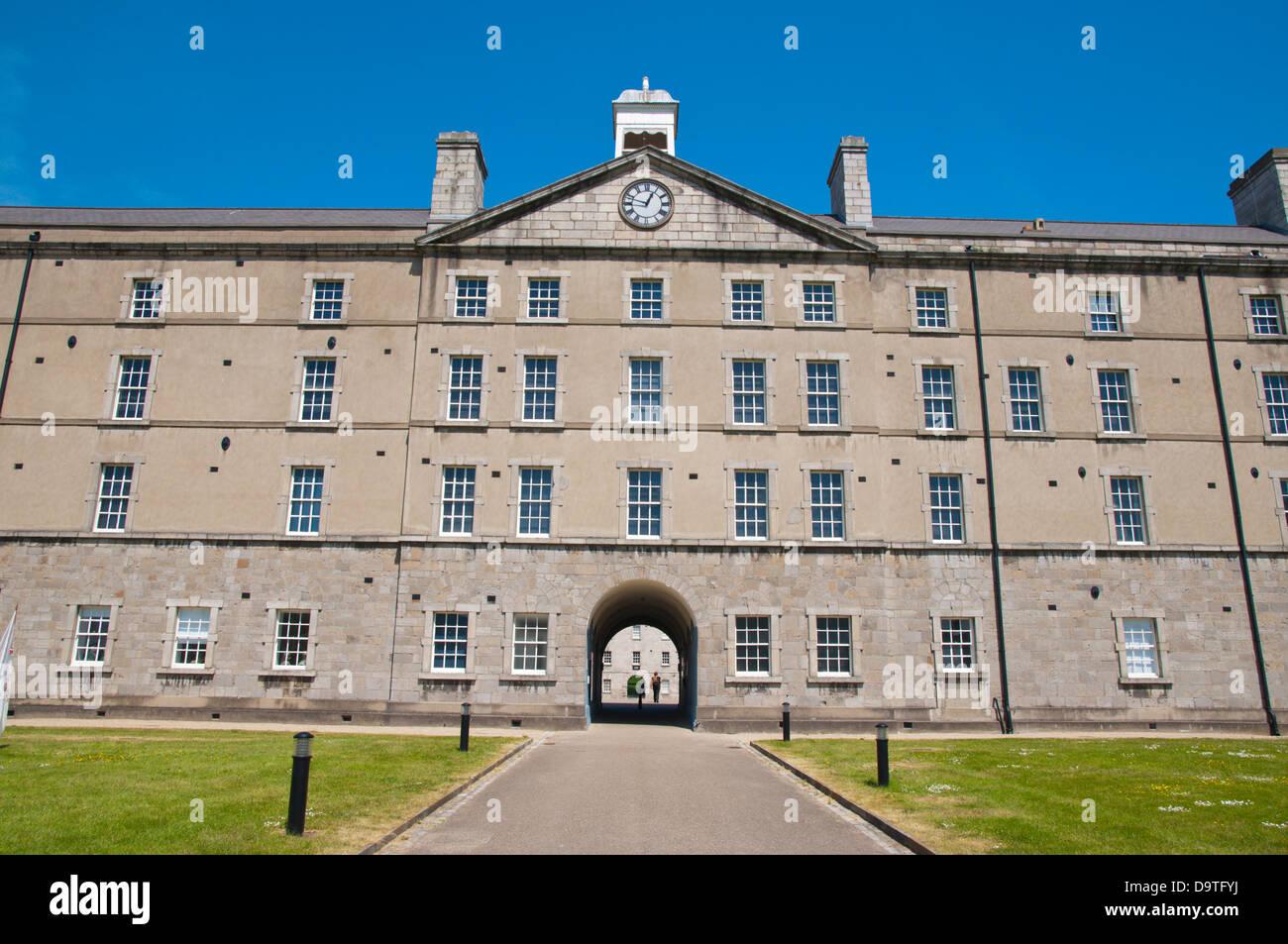 Museo nazionale delle arti decorative e storia alloggiato in Collins Barracks (1704) Dublino Irlanda Europa Immagini Stock