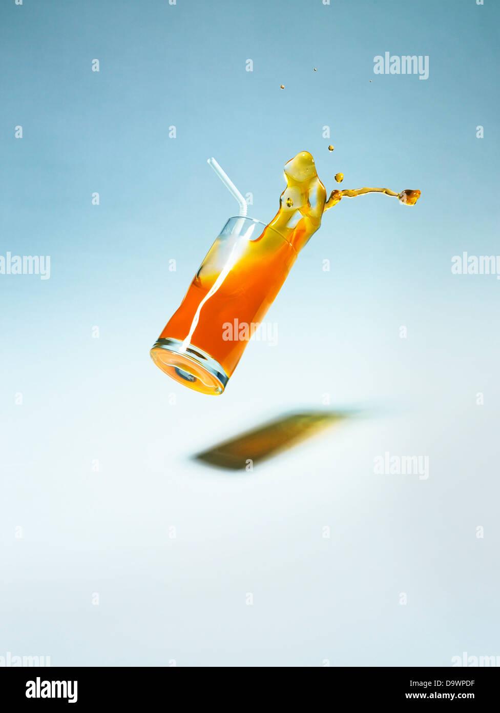 bevanda che cadono Immagini Stock