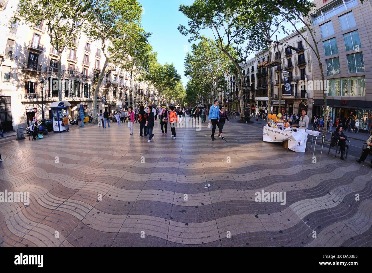 Les Rambles, famosa strada di Barcellona Immagini Stock