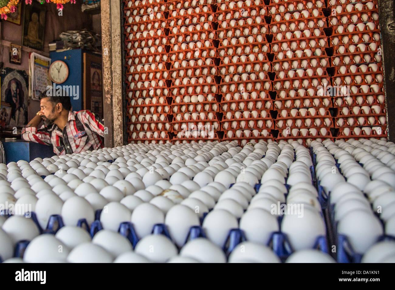 Fornitore di uovo, Mercato Crawford, Mumbai, India Immagini Stock