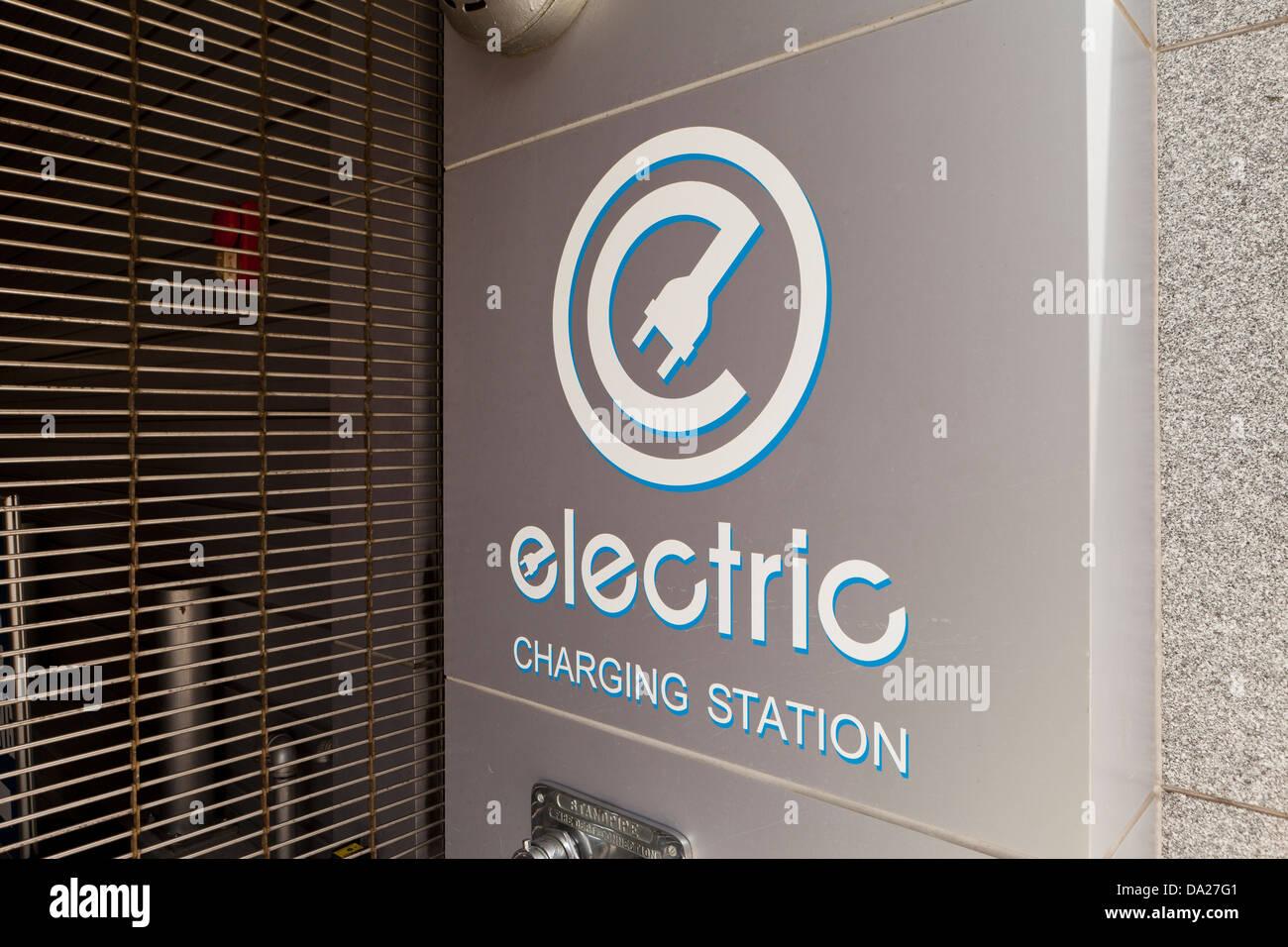 Il veicolo elettrico stazione di carica - Washington DC, Stati Uniti d'America Immagini Stock