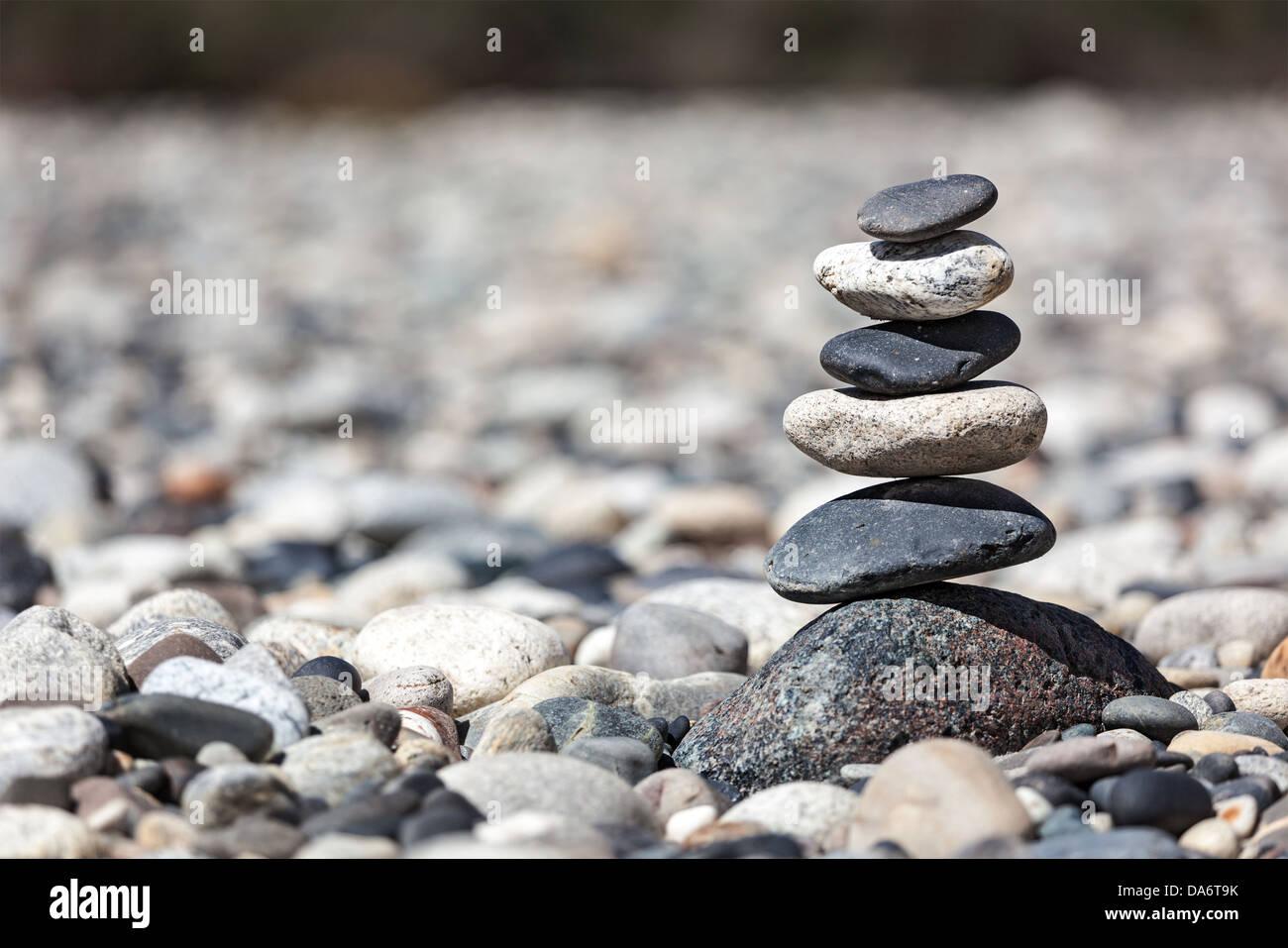 Zen pietre equilibrata pila close up Immagini Stock