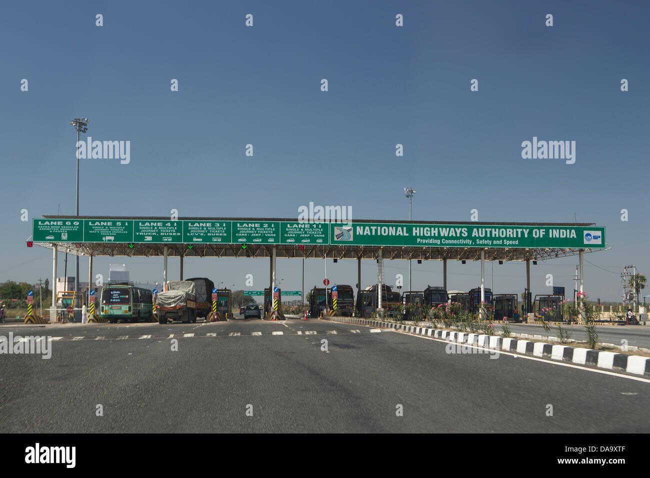 India India del Sud, Asia, autostrada, pedaggio, amministrazione, controllo, expressway, gate, nuovo, fiscali, pedaggio, Immagini Stock