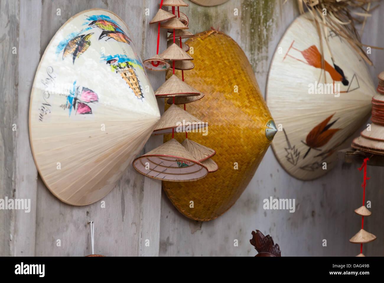 Tradizionale vietnamita non La cappello di paglia ad Hanoi c98e7bc4f8f2