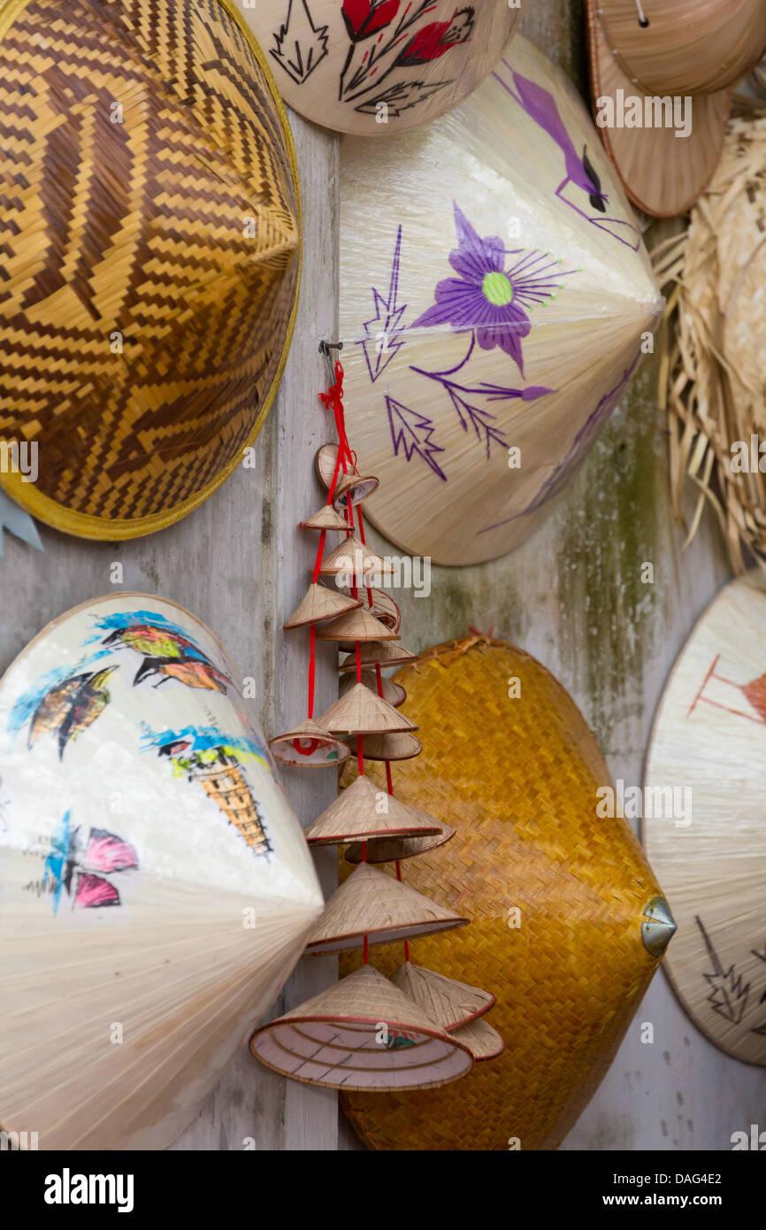 Tradizionale vietnamita non La cappello di paglia ad Hanoi 700da6b725d6