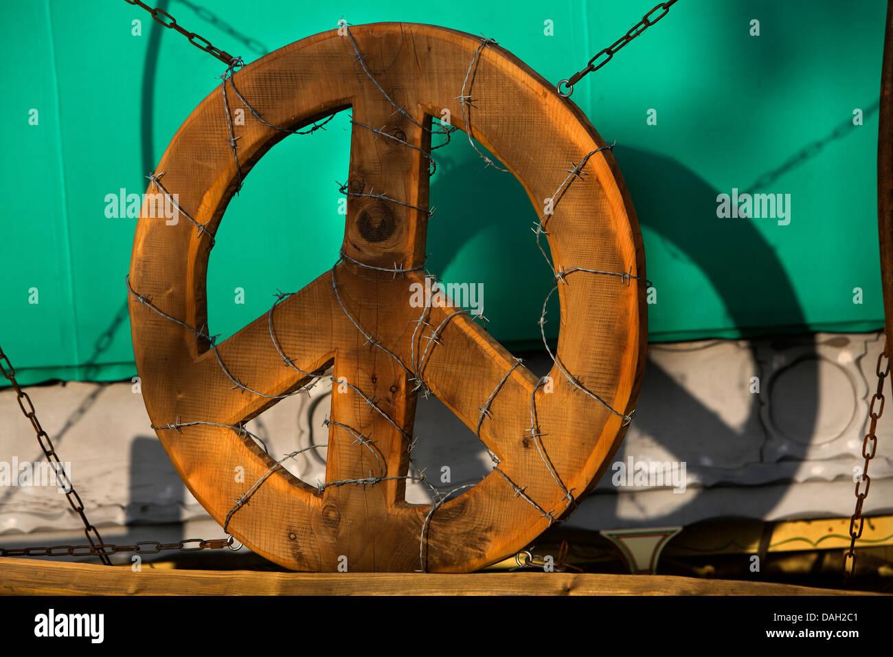 CND symbol presso il festival di Glastonbury, Regno Unito Immagini Stock