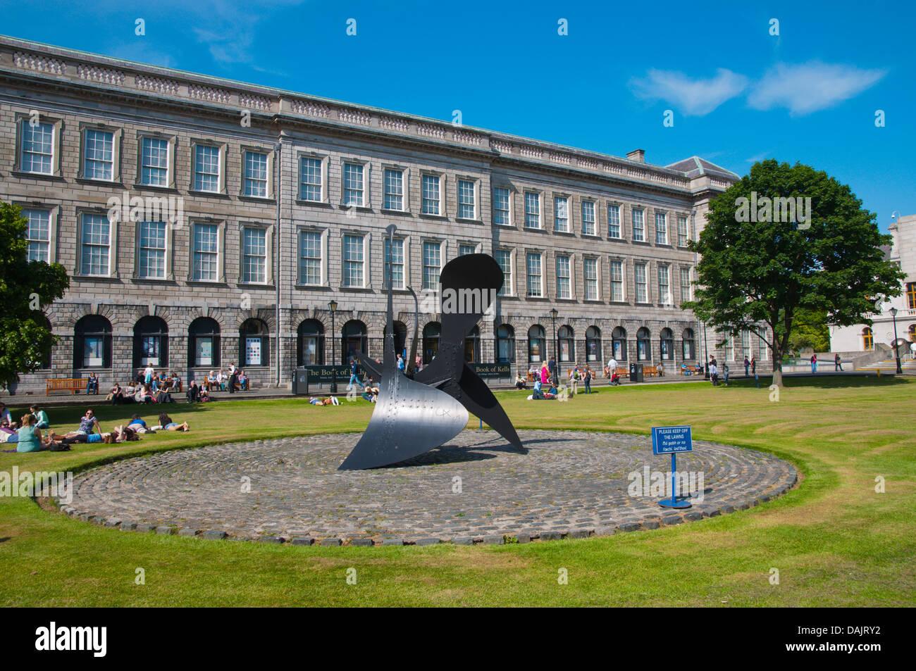 I borsisti square Trinity college university area central Dublino Irlanda Europa Foto Stock