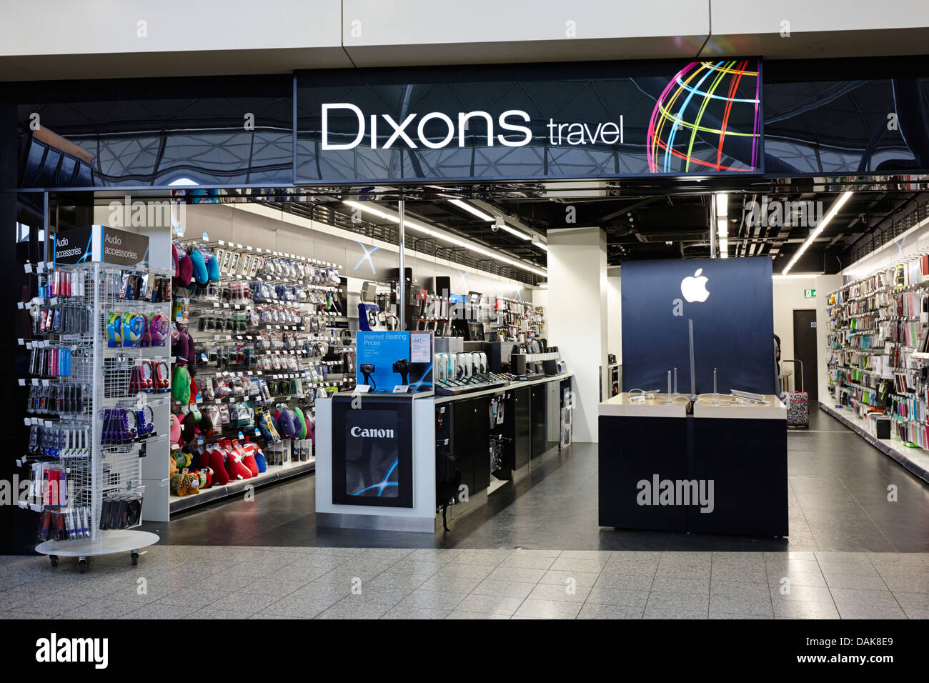 Dixons travel store Londra Stansted Essex, Inghilterra, Regno Unito Immagini Stock