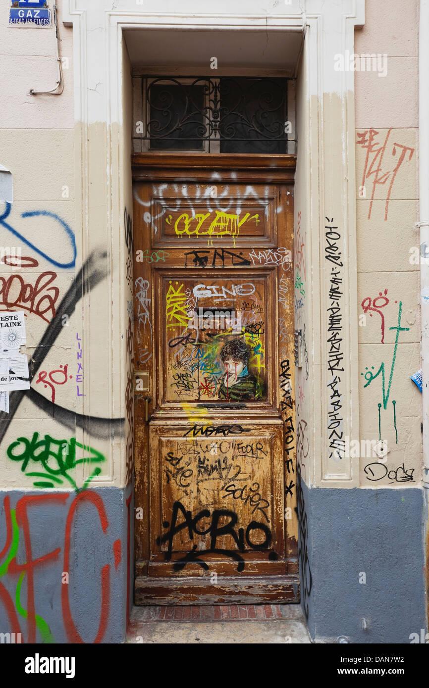 Europa, Francia, Marsiglia, vista della spruzzata ingresso di casa Immagini Stock