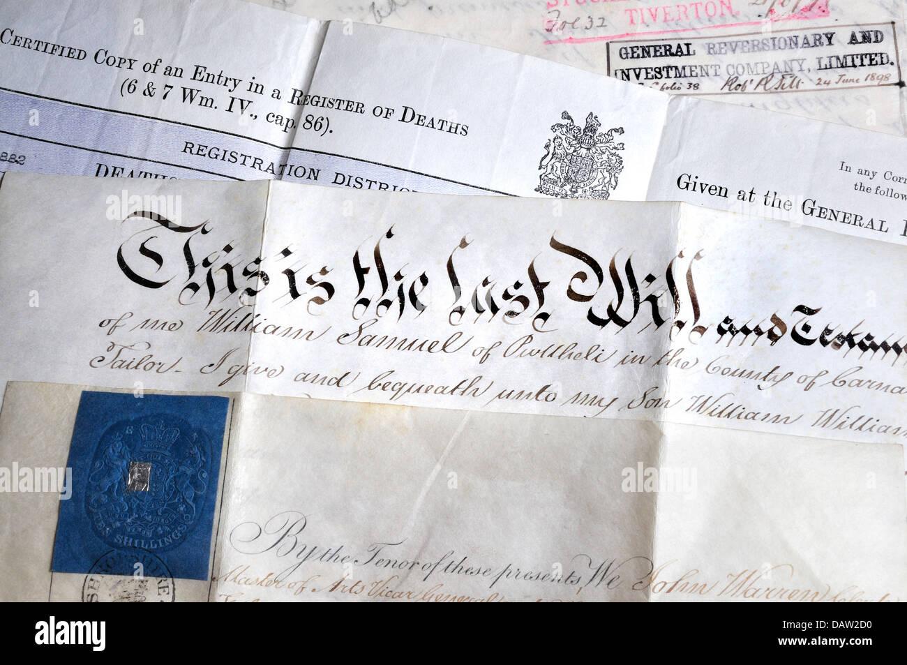 La genealogia di documenti - certificato di morte e scritte a mano saranno Immagini Stock