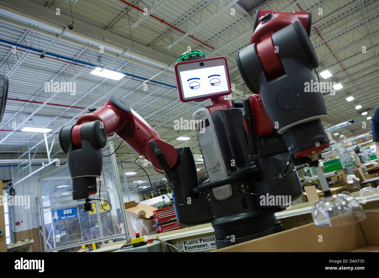 Baxter il robot realizzato da ripensare la robotica presso il gruppo Rodon stampaggio plastico fabbrica. Immagini Stock