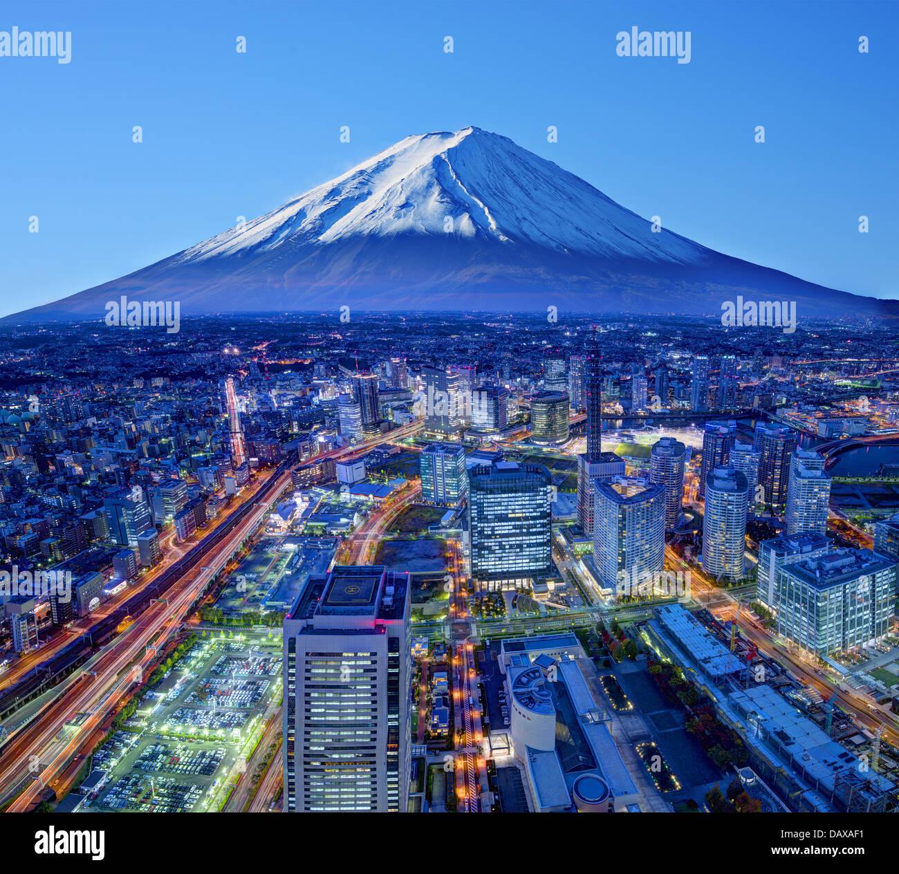 Skyline di Mt. Fuji e Yokohama, Giappone. Immagini Stock