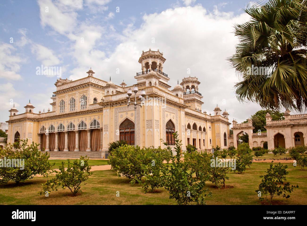 Facciata di un palazzo, Chowmahalla Palace, Hyderabad, Andhra Pradesh, India Immagini Stock