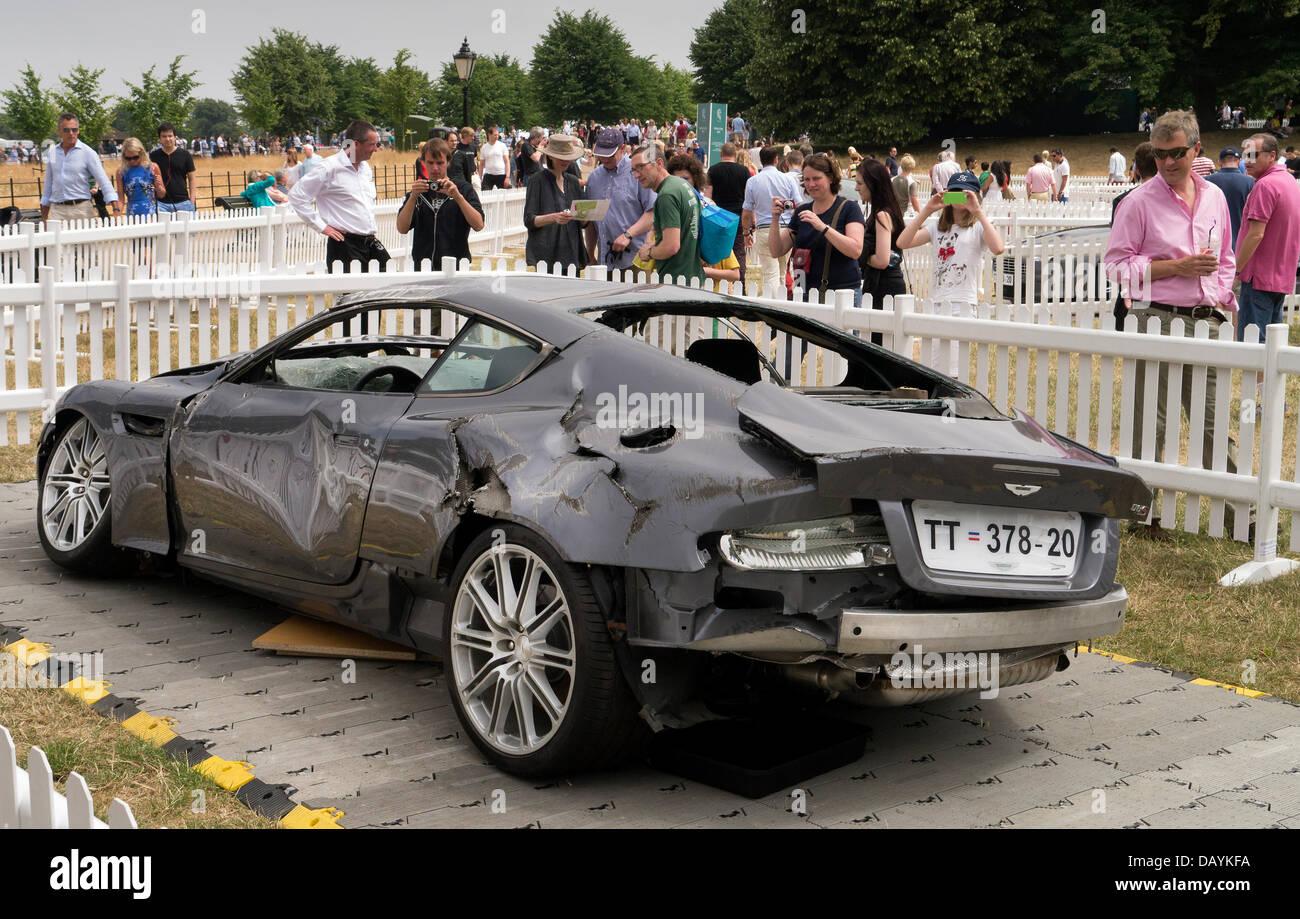 Londra, Regno Unito. 21 Luglio, 2013. James Bond stunt Aston Martin sul display alla Aston Martin auto centenial Immagini Stock