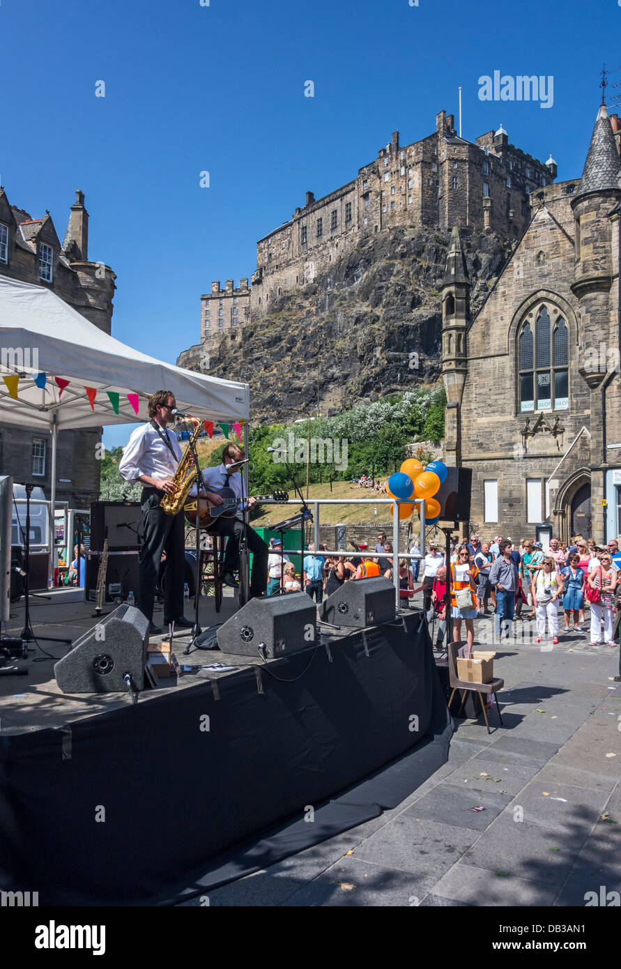 Il gruppo tedesco Shreveport Rhythm giocando al 2013 Edinburgh Jazz & Blues Festival di Grassmarket presso il Mardi Foto Stock