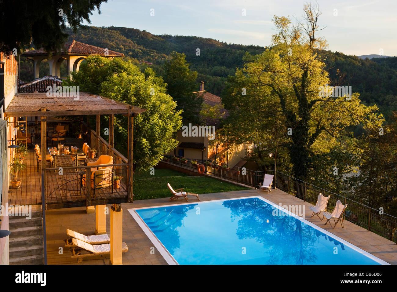 Piscine All Aperto Piemonte l'italia, piemonte, cremolino, casa wallace hotel, la