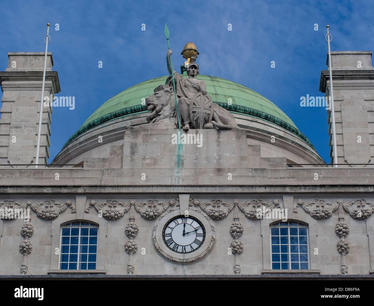 Britannia iconica statua su Regent Street Building Immagini Stock