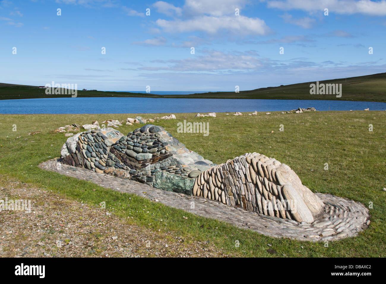 Fetlar; Loch Funzie; Geologia presentano; Shetland; Regno Unito Immagini Stock