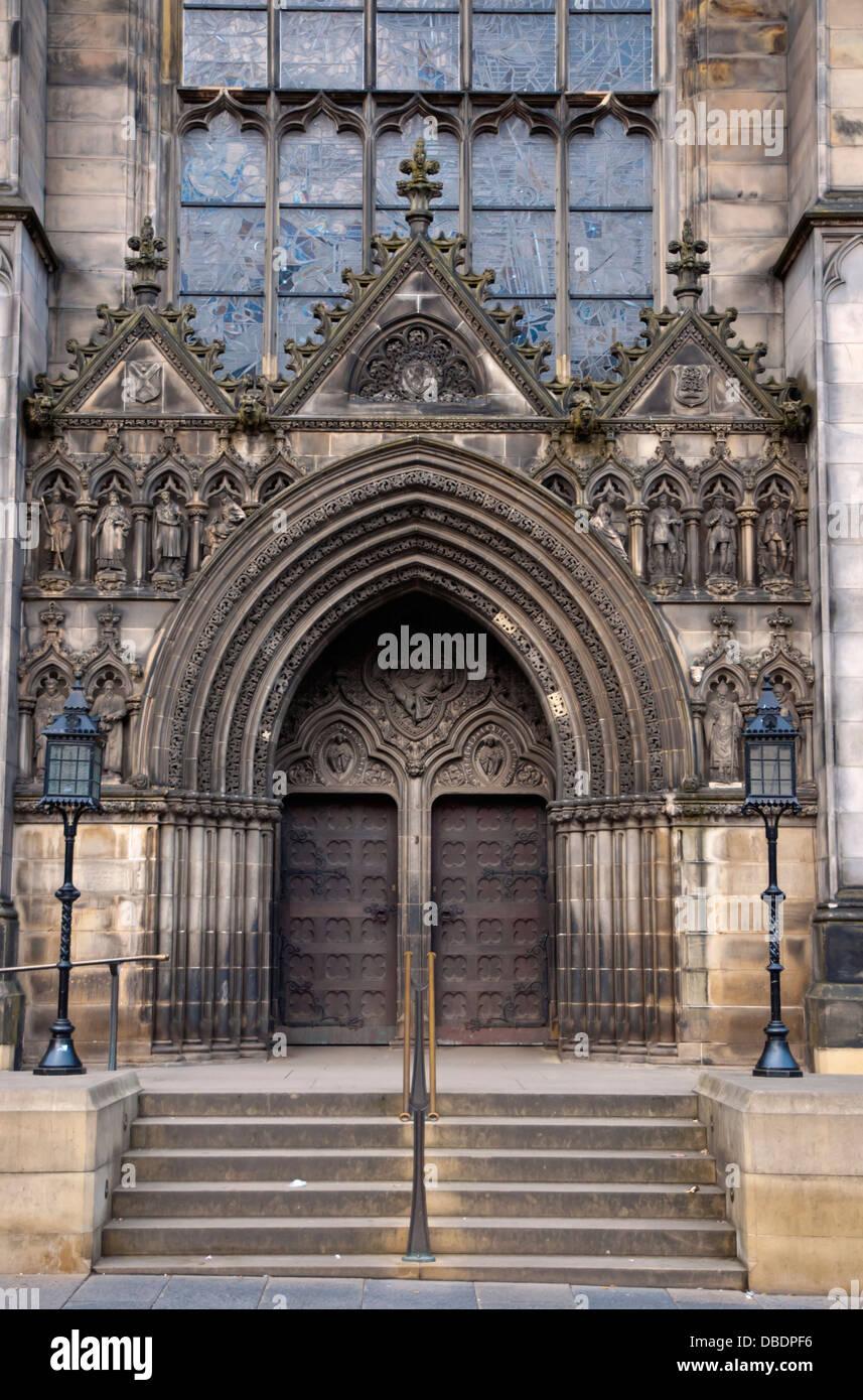 La Cattedrale di St Giles porte Royal Mile città vecchia Edimburgo Scozia Gran Bretagna UK Europa Immagini Stock