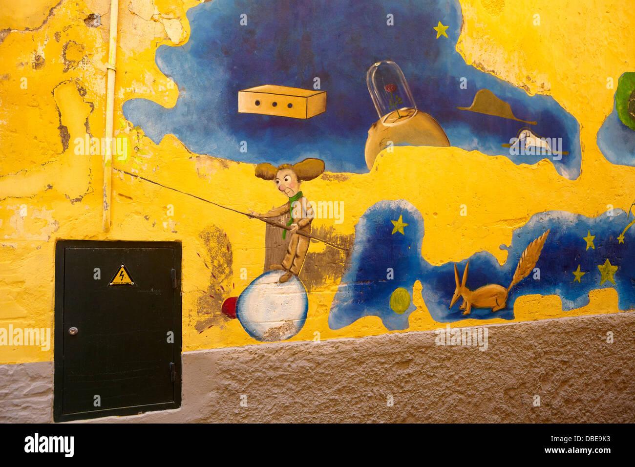 Funchal Centro storico (zona velha), parete dipinta dall'artista locale, l'isola di Madeira, Portogallo Immagini Stock