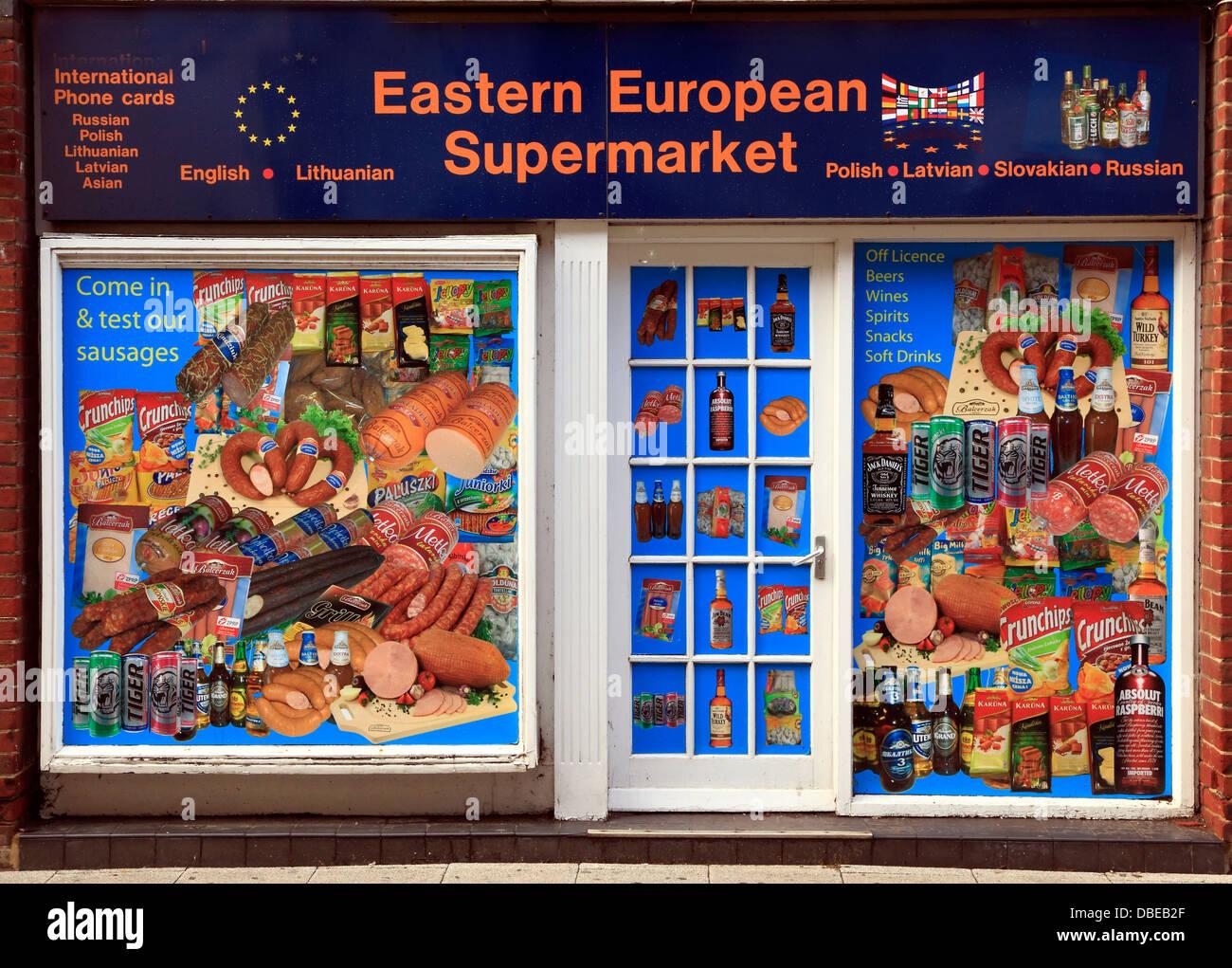Europeo orientale supermercato, Kings Lynn, Norfolk, Inghilterra UK, per servire Est europeo in materia di immigrazione Immagini Stock