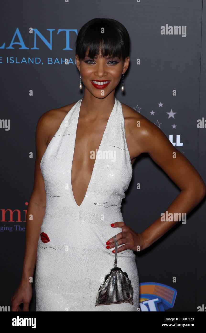 Denise Vasi ore diurne Emmy Awards all'Hilton Hotel e Casino - Tappeto Rosso Las Vegas, Nevada - 19.06.11 Immagini Stock