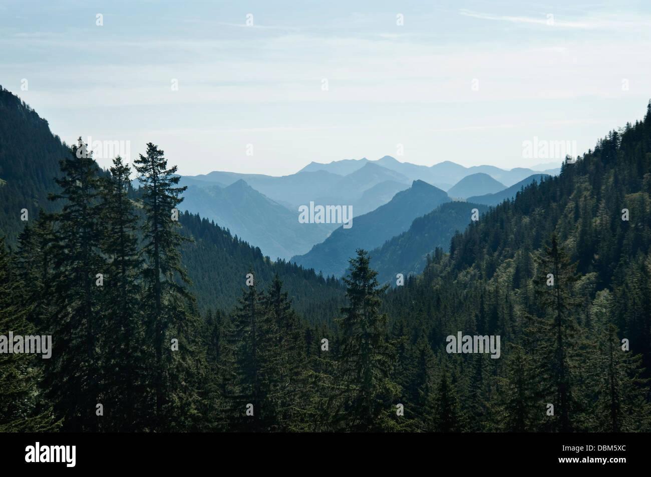 La gamma della montagna, valle Inntal, Alpi Bavaresi, Germania Immagini Stock