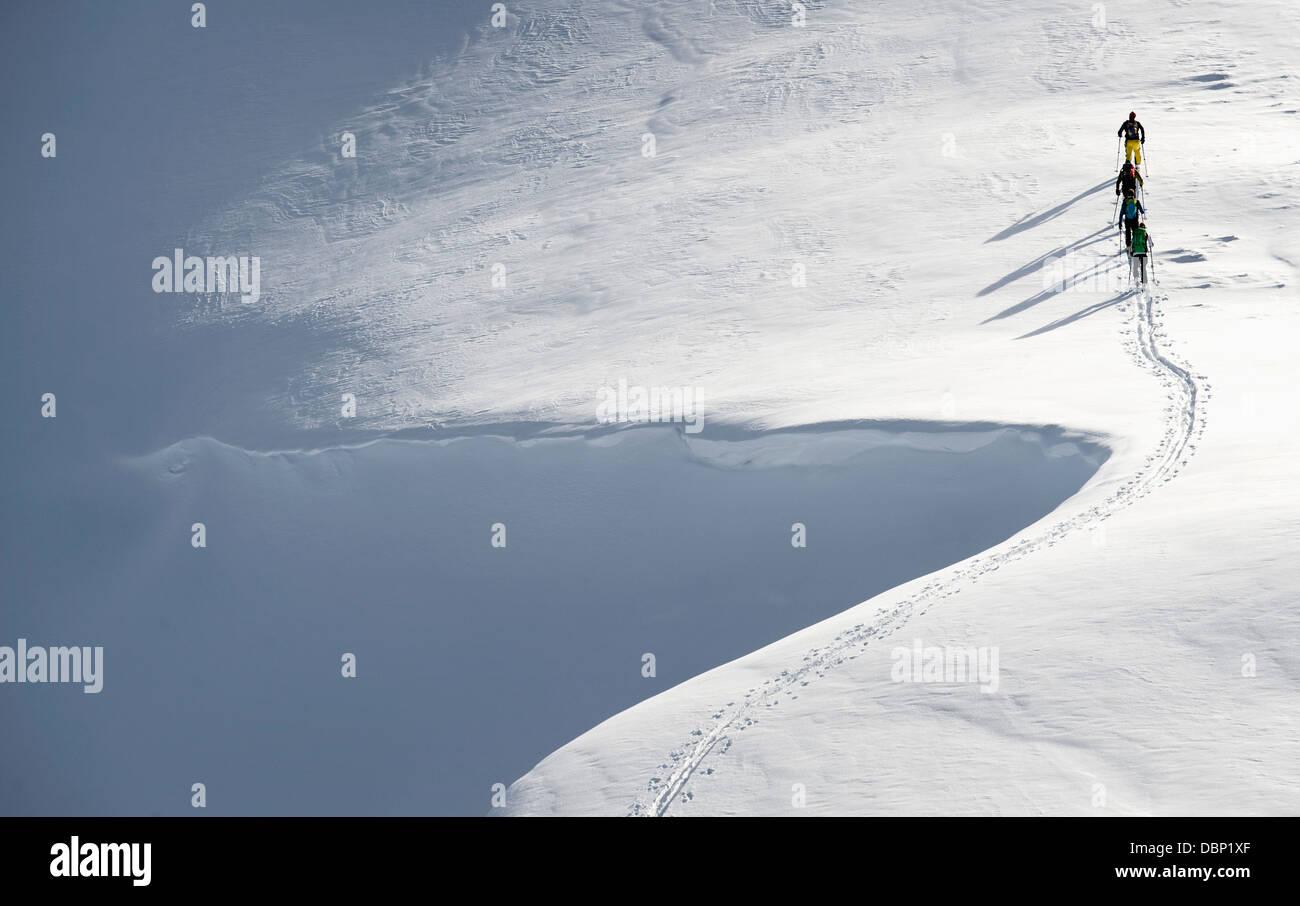Backcountry sciatori sul movimento, Alpbachtal, Tirolo, Austria, Europa Immagini Stock