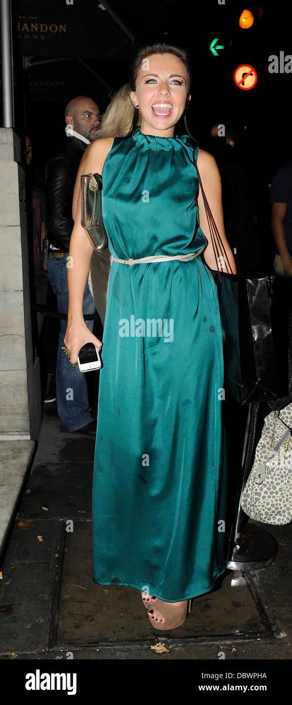 Louisa Lytton lasciando Aura discoteca con gli amici. Londra, Inghilterra - 08.09.11 Foto Stock