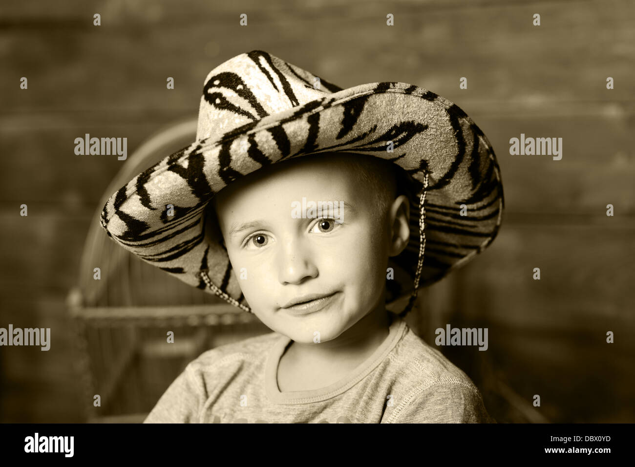 Ragazzo, bambino, countree, occhio, cappello, LEEP, portret, sorriso, paglia, teen, villaggio, giovani Immagini Stock
