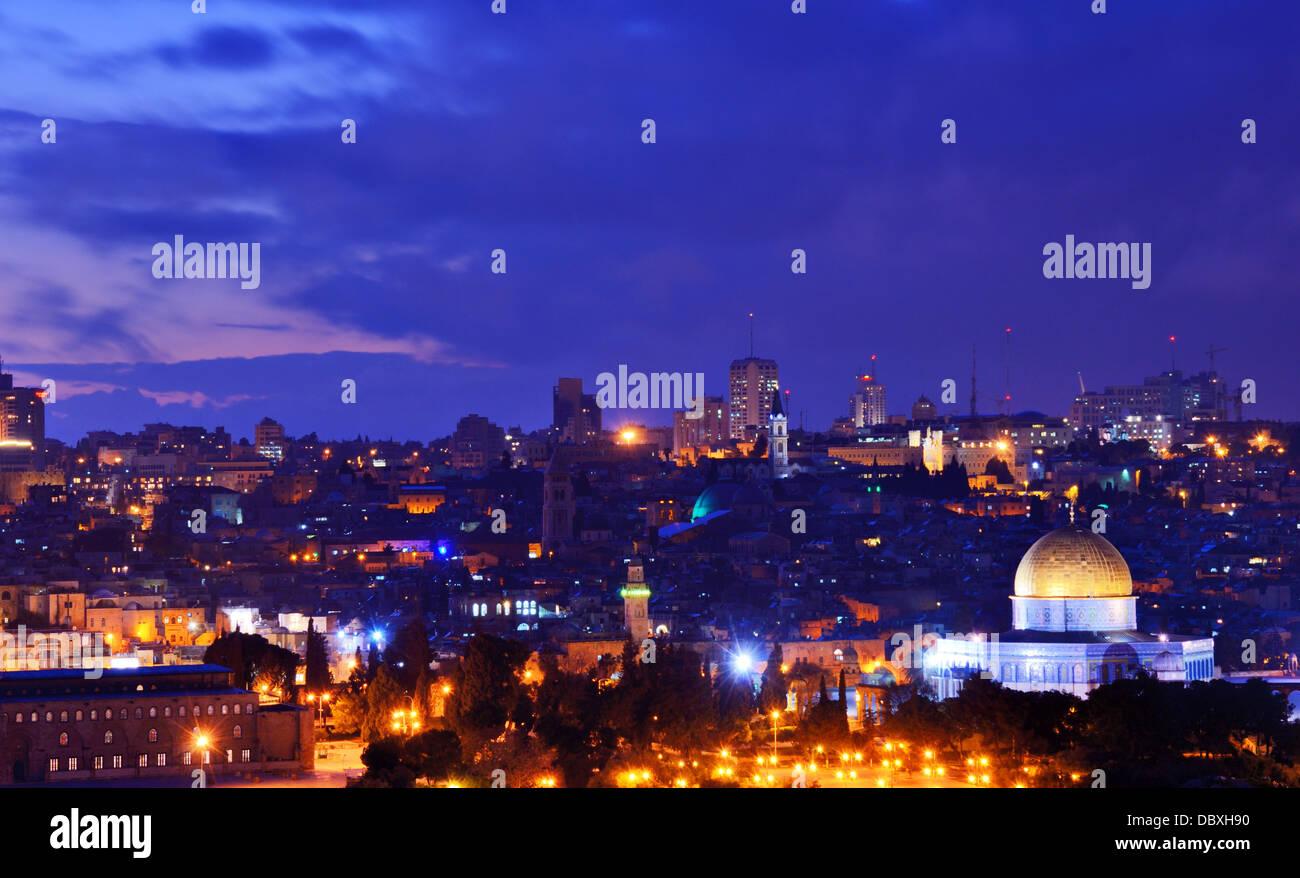 Skyline della Città Vecchia e il Monte del Tempio a Gerusalemme, Israele. Foto Stock