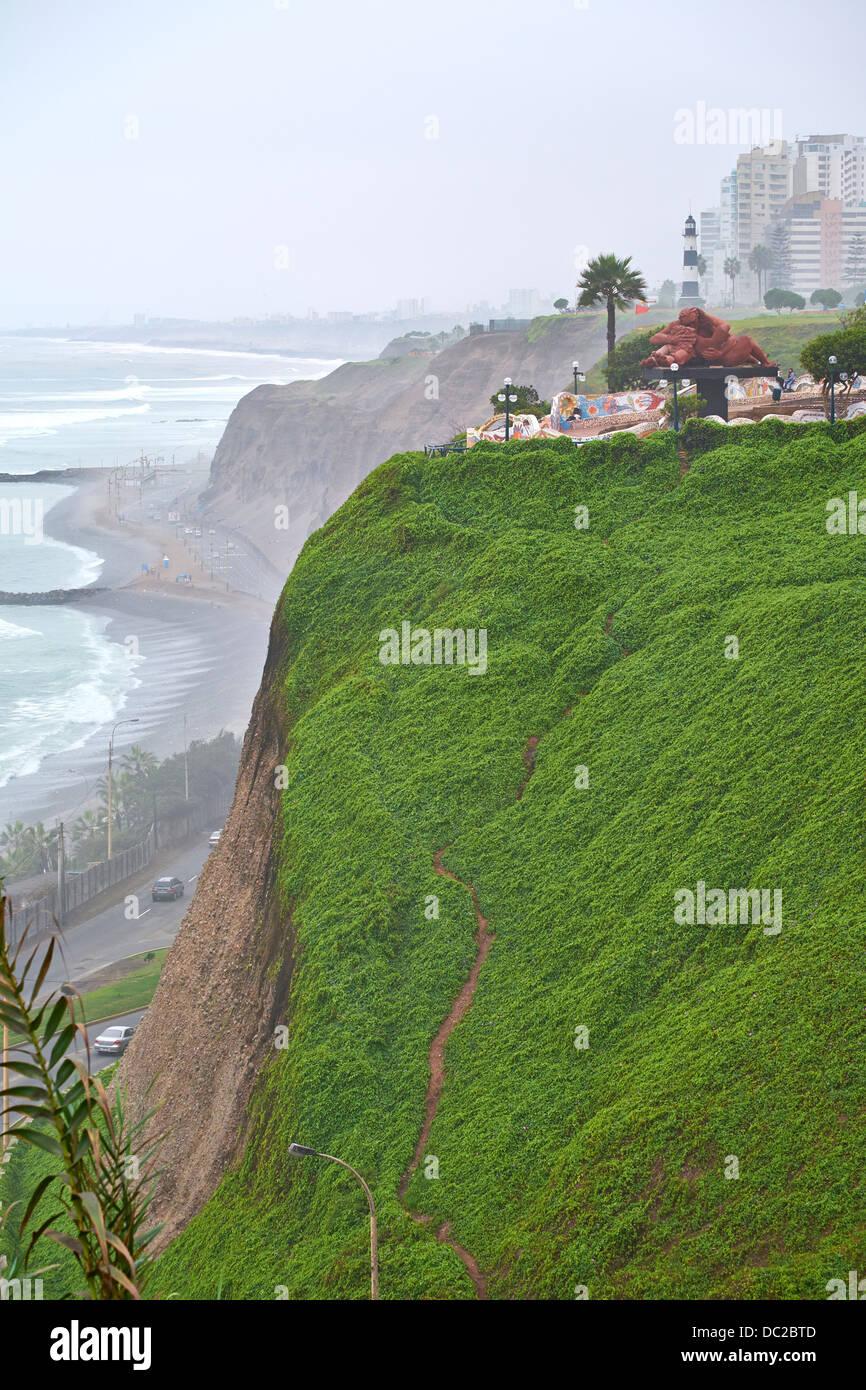 El parque del amor è un sulle scogliere di Miraflores e interamente dedicato al romanticismo. Lima, Perù. Immagini Stock