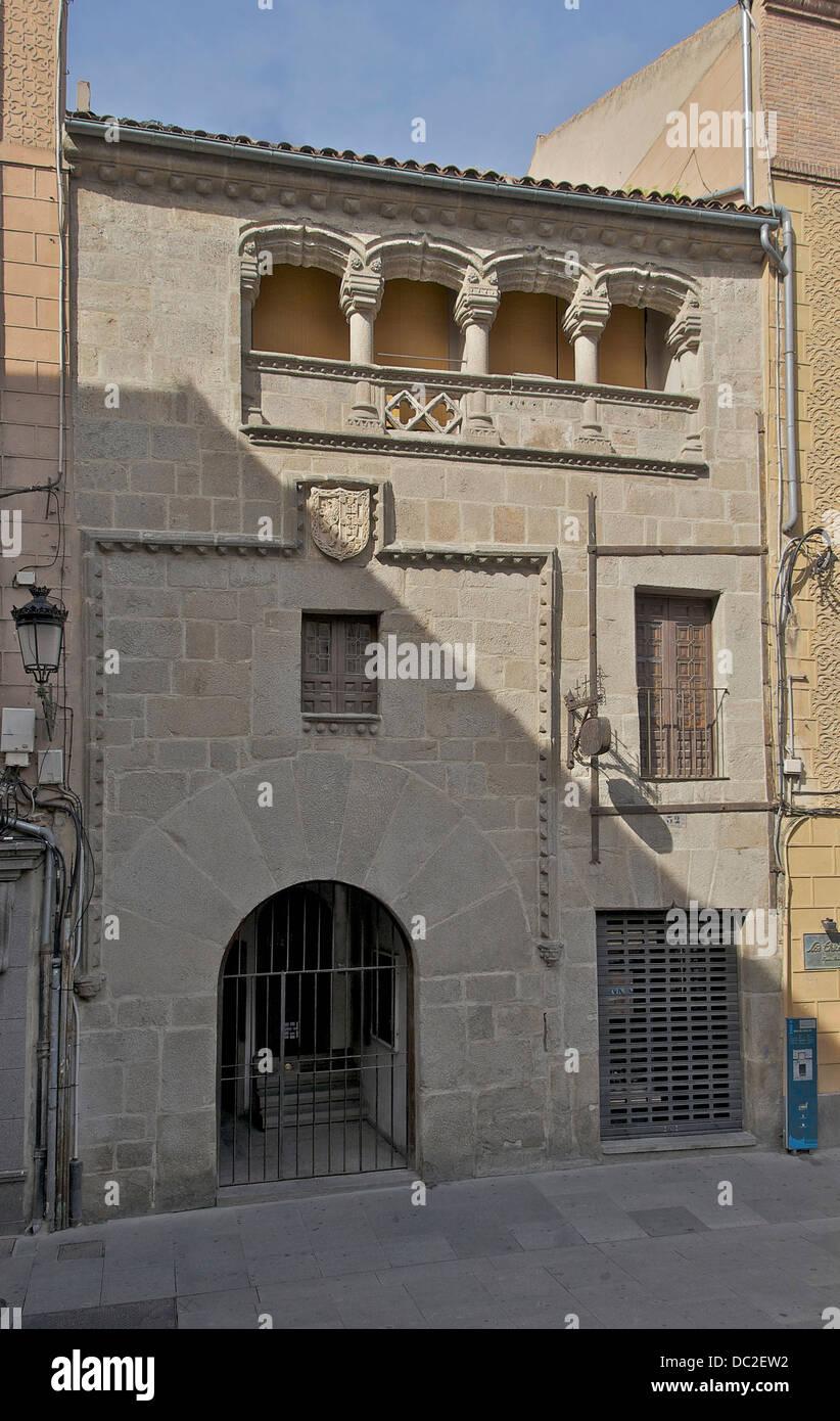 Campione di nobiltà urbana residenza del XV secolo. CoA di Tordesilla y Tapia la famiglia, incorniciata da Immagini Stock