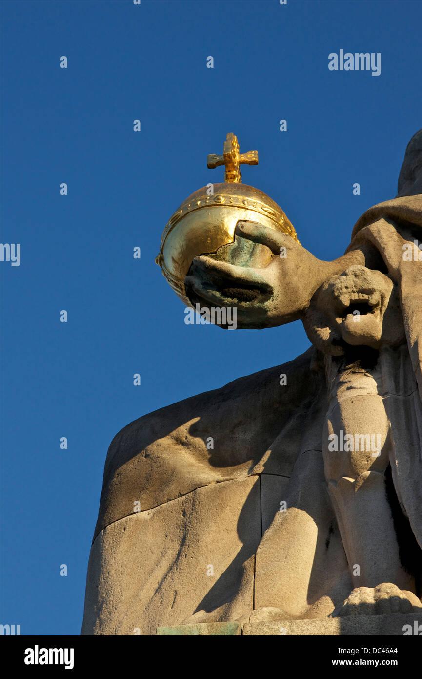 """""""La Francia del Medioevo', da Alfred-Charles Lenoir, statua di 'Pont Alexandre III' in Parigi, Immagini Stock"""