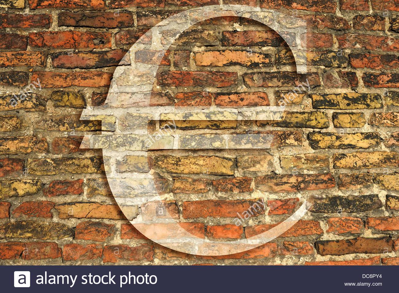 Composito Digitale antico muro in mattoni con il simbolo dell'Euro Immagini Stock