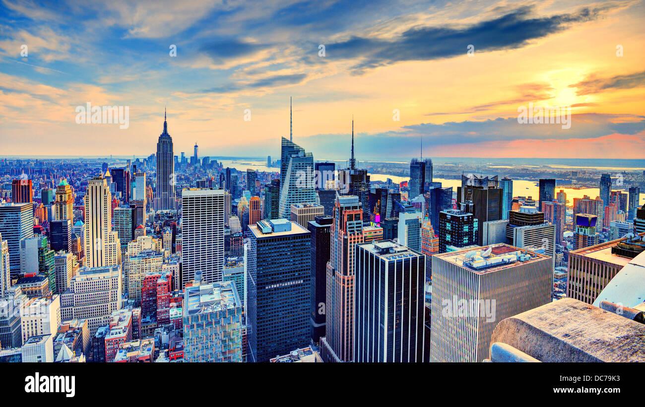 New York Midtown skyline al tramonto. Immagini Stock
