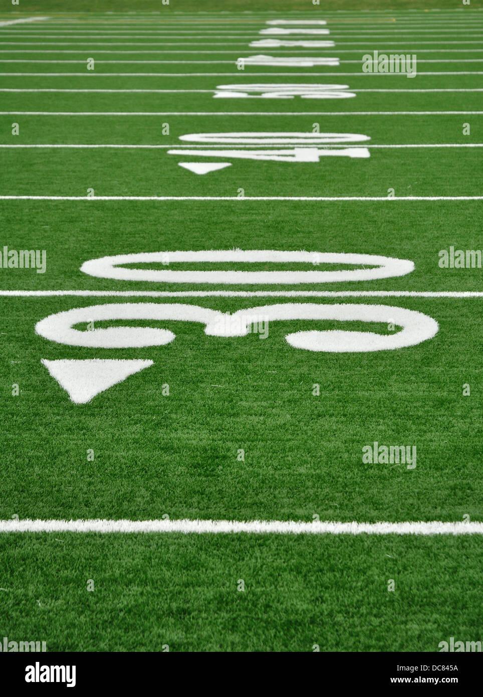 Yardline su American campo di calcio Immagini Stock