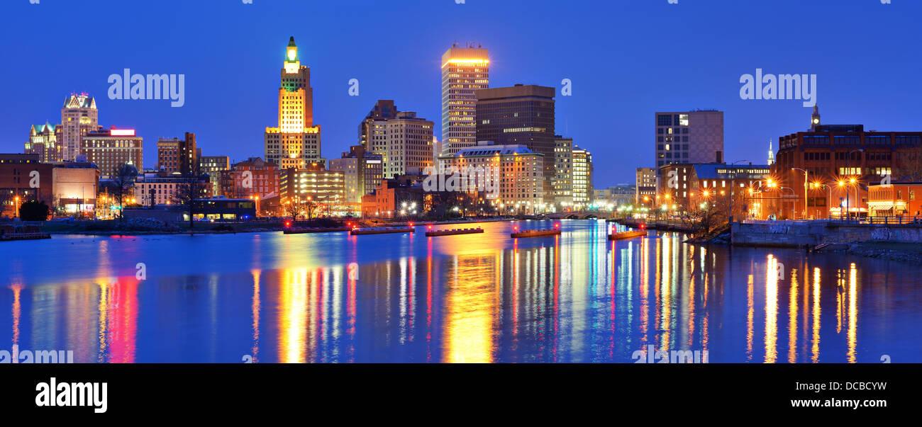 Providence, Rhode Island, Stati Uniti d'America panorama di tutta la Provvidenza fiume. Immagini Stock