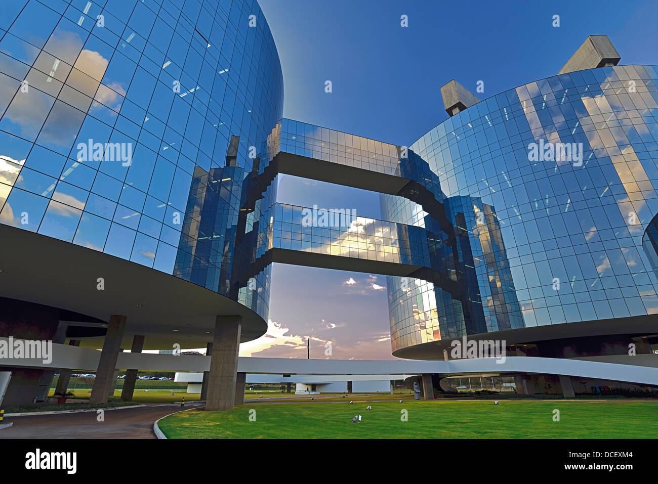 Il Brasile, Brasilia: architettura moderna della Procuradoria Geral da Republica progettato dall architetto Oscar Immagini Stock