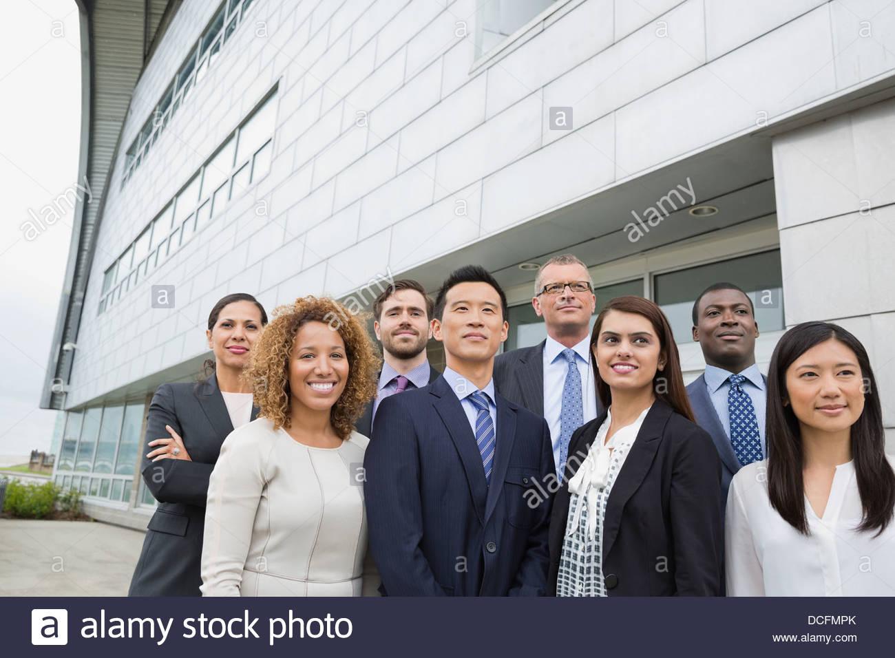 Team Aziende in piedi all'aperto Immagini Stock