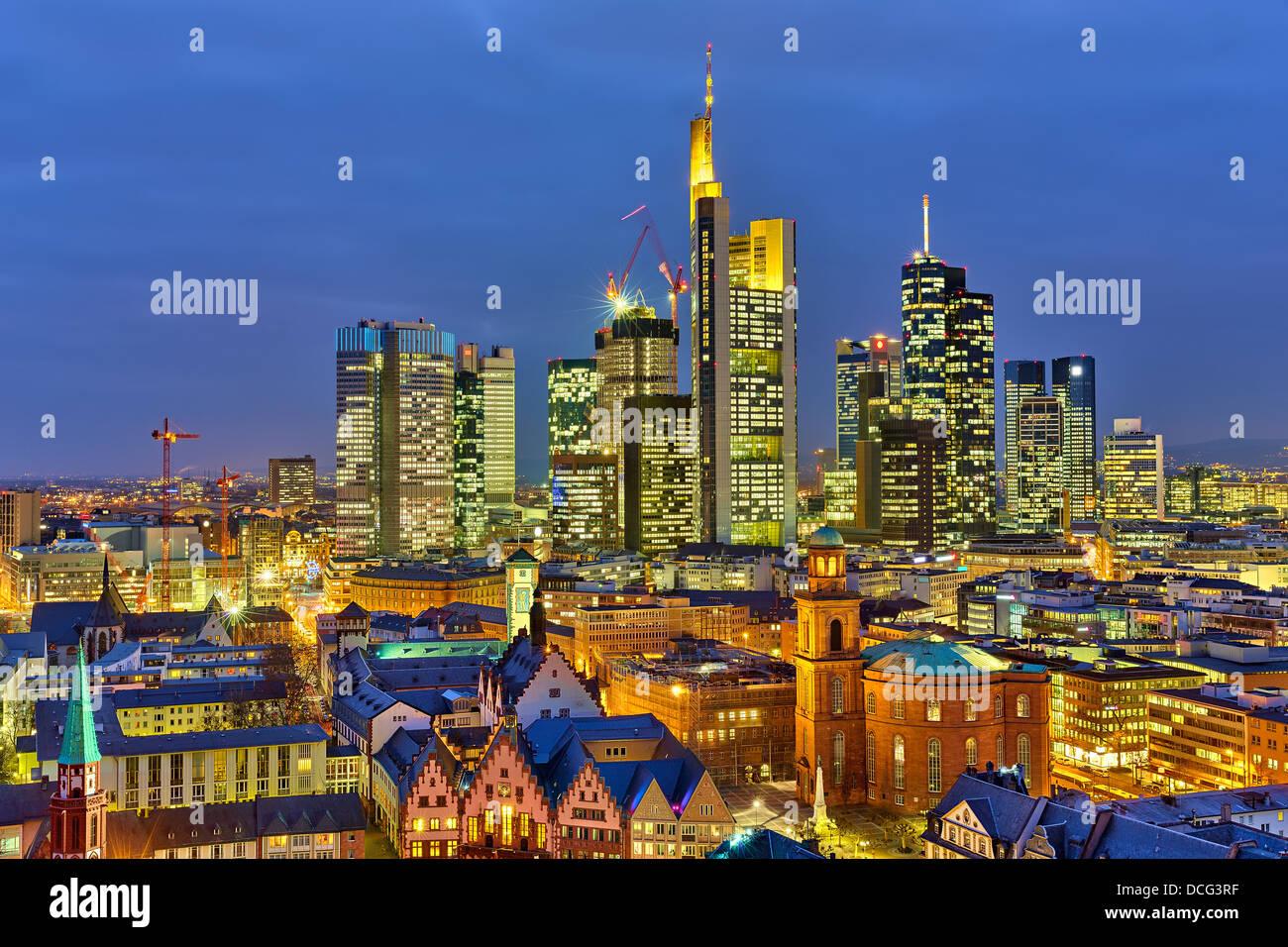 Francoforte sul Meno di notte Immagini Stock