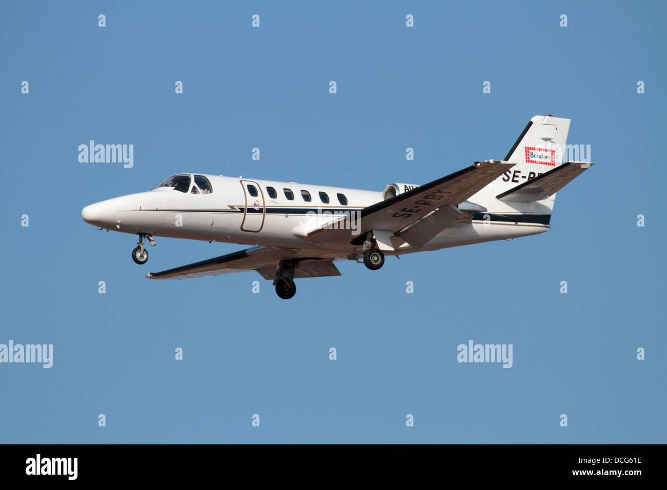 Cessna Citation Bravo business jet su aeromobili approccio Immagini Stock