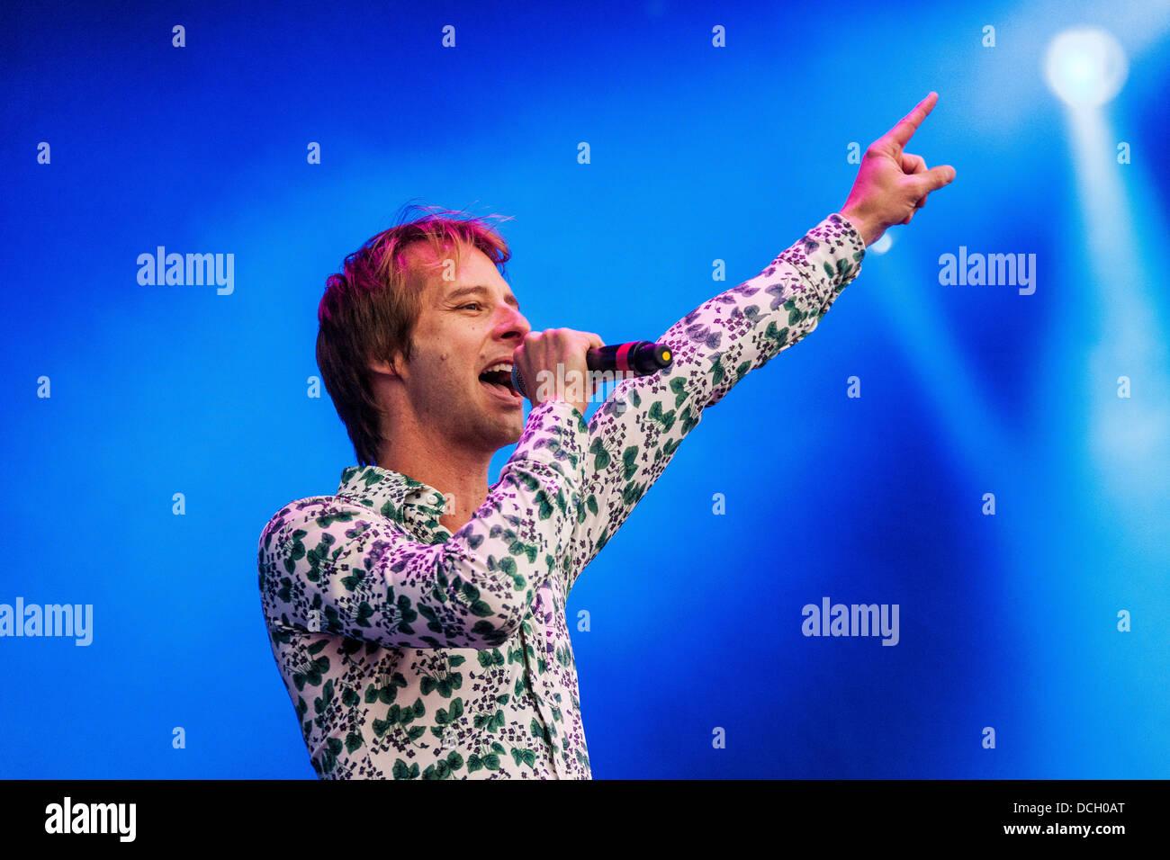 Remenham, Henley-on-Thames, Oxfordshire, Regno Unito. Il 17 agosto 2013. Inglese cantante pop Chesney Hawkes esegue Immagini Stock