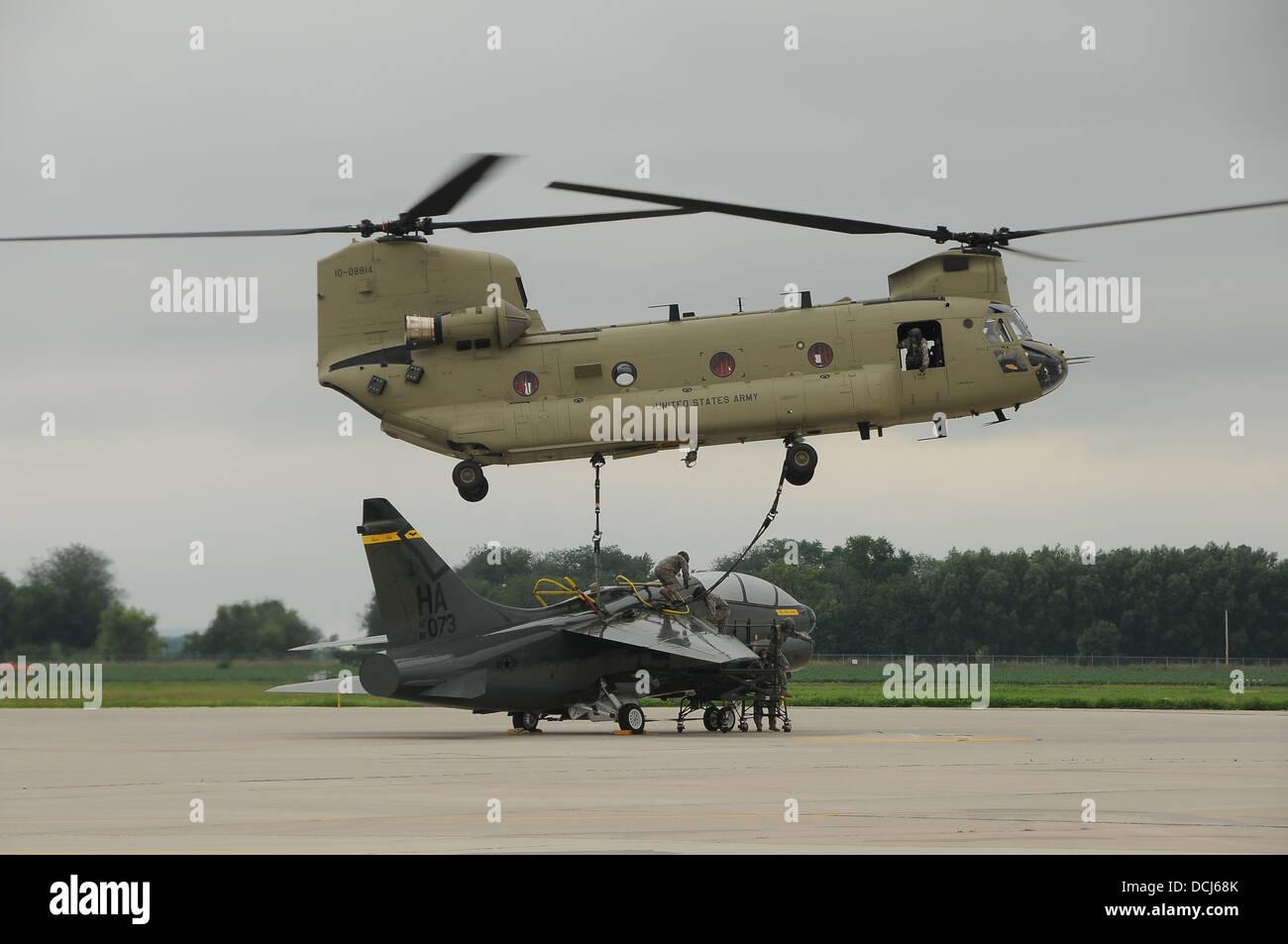 Elicottero Ch : Un ch f elicottero chinook dall iowa l esercito nazionale della