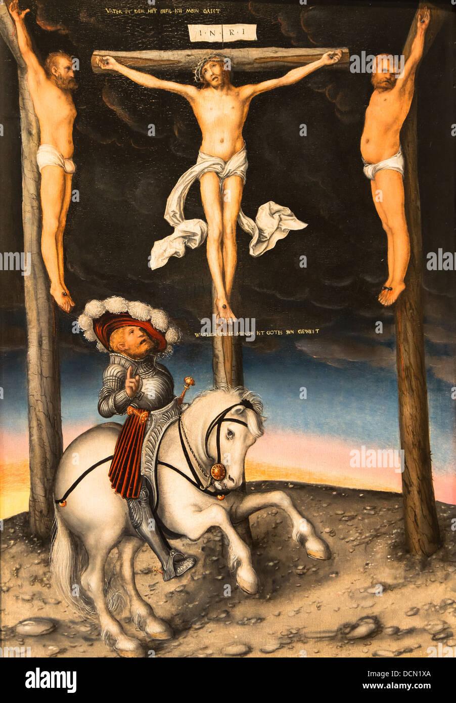 Xvi secolo - Crocifissione con il centurione convertito - Lucas Cranach il Vecchio (1536) olio su pannello Immagini Stock
