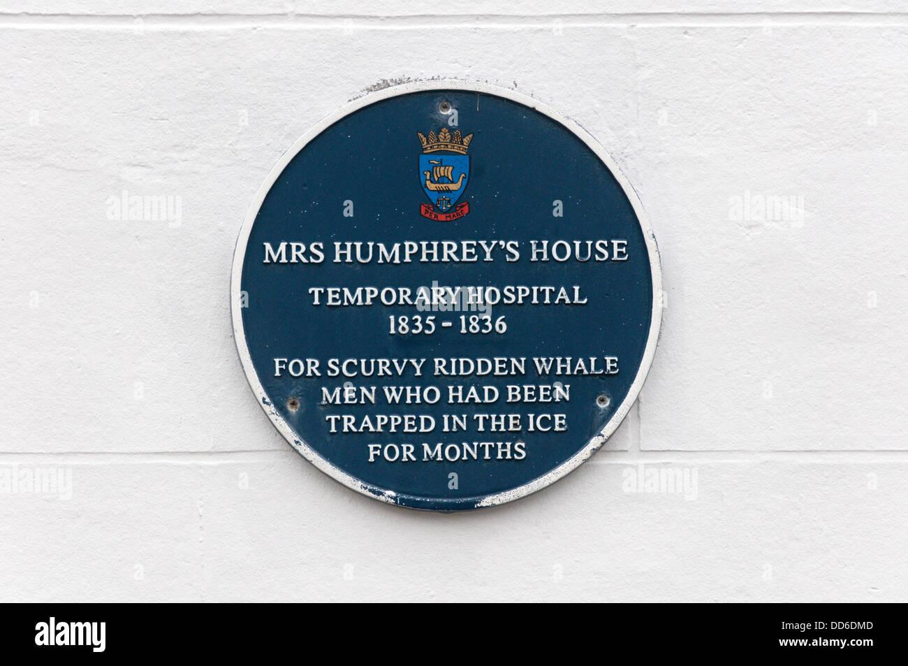 Una lapide in Stromness, commemora la signora Humphrey's House, un C xix secolo ospedale temporaneo per la balena Immagini Stock
